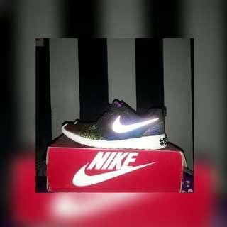Nike Roshe Run Glow in the dark