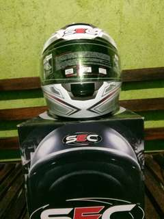 Orig SEC Full face helmet Large with extra dark visor
