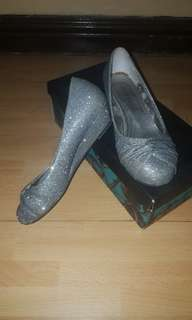 Size 7 Chelsea wedge shoes