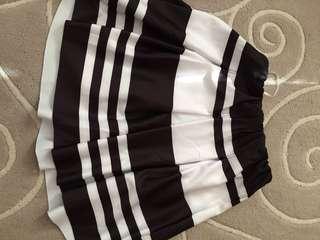 Skirt ~ black and white
