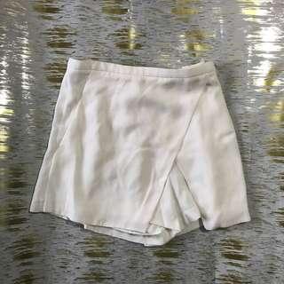 Aritzia babaton shorts