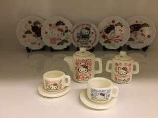 開心Share-@2001 Hello Kitty mini tea set 迷你陶瓷