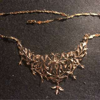 Peranakan Nonya Intan necklace in 20k yellow gold