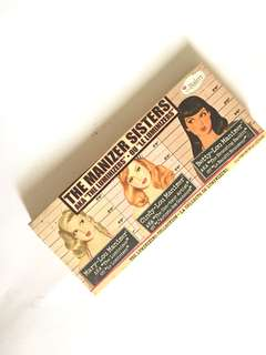 Thebalm The Manizer Sisters highlighter palette
