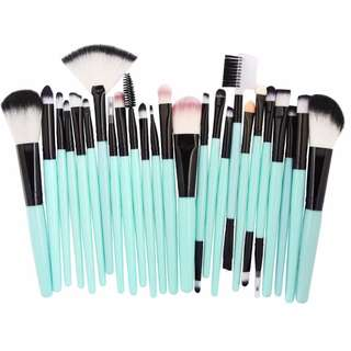 25-pcs. Professional Make Up Brush Set