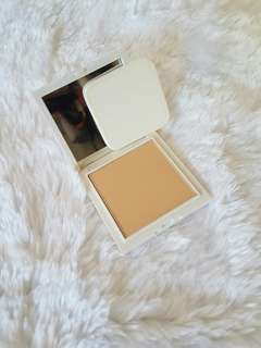 VMV Hypoallergenics Oil-Absorbing Pressed Powder