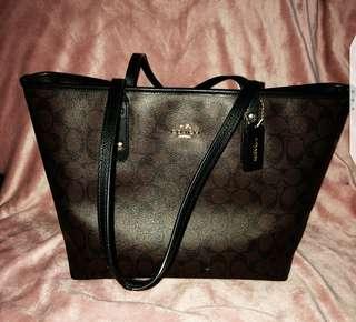 Gorgeous coach tote bag