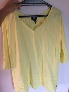 size 14 Yellow top
