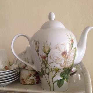 Giacomo tea set