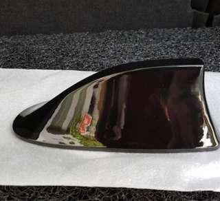 Universal car shark fin antenna