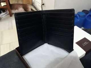 Fino Leatherware black bi-fold wallet