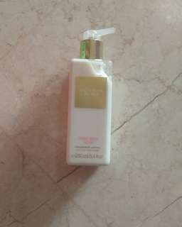 Victoria Secret Very Sexy now body lotion