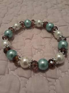 Synthetic pearl and crystal bracelet