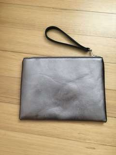 Metallic clutch bag (new)