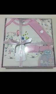 BN 4 Pcs Gift Set for baby girl, 0 to 6 months