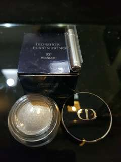 Bnib Diorsnow Fusion Mono eyeshadow in 031 Moonlight Grey