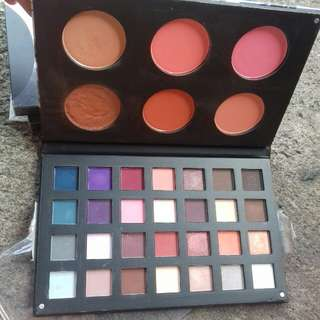 Beauty treats deluxe pro eyeshadow and blush palette