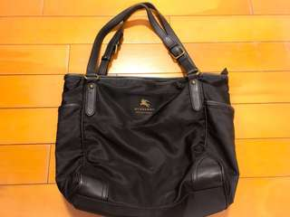 Burberry 黑色皮手袋