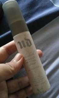 PRELOVED!! Urban decay de slick makeup setting spray
