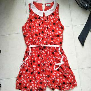 Seed red floral sleeveless dress in medium