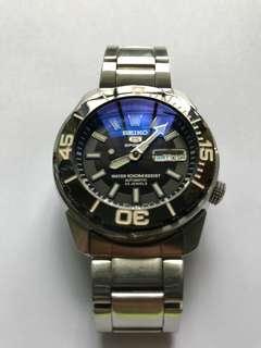 Seiko SNZE 97 automatic watch