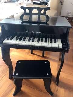 鋼琴連櫈仔