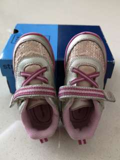 Stride rite girl shoes size 6