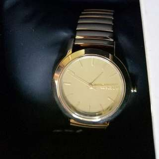 DKNY WATCH NEW UNUSED