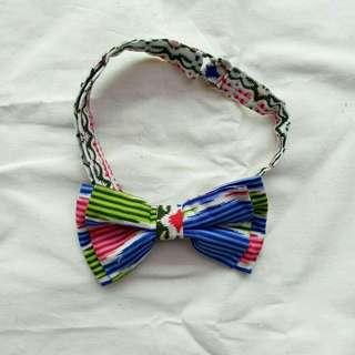 Colourful etnic bowtie