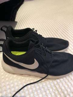 Black Roshes worn once or twice (size women's 10)