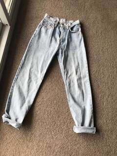 Vintage Levi high waisted ladies jeans size 9