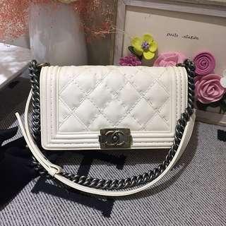Chanel白色牛皮中號leboy菱格單肩斜挎包99新