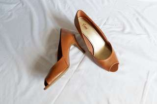 Tan Leather Pumps