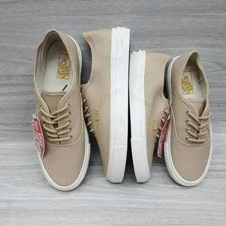 ▪couple vans shoes