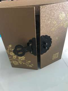 Brand new intricate box design 3 tier