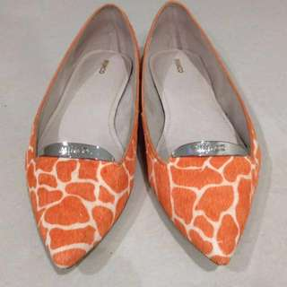 MIMCO Size 38 Burnt Orange Print Leather Flats