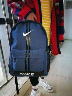 ▪travel bag