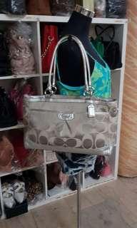 New item!Authentic Coach shoulder bag