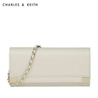 [AUTHENTIC]Charles & Keith White Wallet with Chain