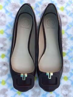 Authentic Tory Burch T-ring flats