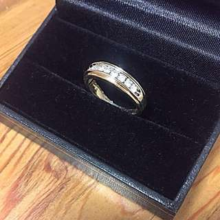 10 kt gold .30ct diamond ring