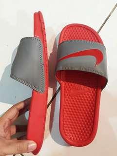 Nike slide on Overrun (unisex)