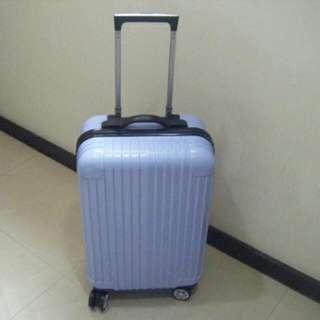 全新20吋粉藍色塑膠硬殼登機 行李箱