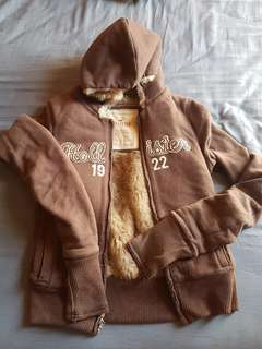 Hollister hoodie with fur lining