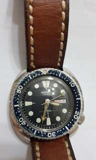 Fantastic seiko vintage diver 6309 7040 leather strap