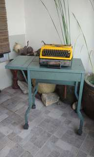 Meja typewritter dan typewritter antik antique