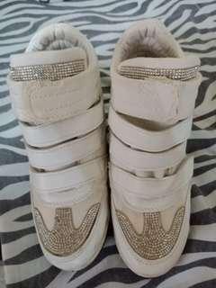 Fashoined Shoes (White)