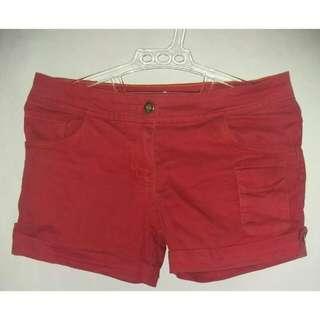 Celana Pendek Merah / Hot Pants Merah