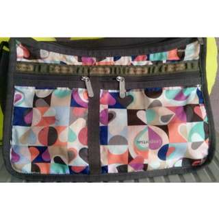 "lesportsac sling bag 9x 14""(authentic)"