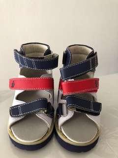 Stabli walking shoes